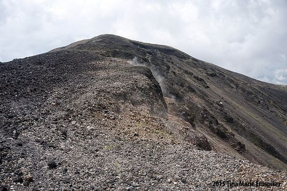 Steam rising from the volcano crater in Paricutin Michoacan Mexico. . . . . . #mexigers #CapturaMx @capturamexico #photographers_of_mexico #mexicolors @mexicolors #MexicoInMyPocket #mexicotravel #unlimitedmexico @unlimitedmexico #pueblosmagicosmx @pueblosmagicosmx #mexico_tour @mexico_tour #visitmexico @descubremimexico #worldpostgram @theworldpost #wondrworld @wondrworld #nat.geograpic @nat.geograpic #OurPlanetDaily @ourplanetdaily #earthfocus @earthfocus #wonderfulglobe @wonderful.globe…