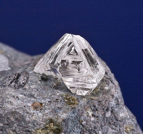 Diamond in matrix   Diamond set in Kimberlite matrix ...