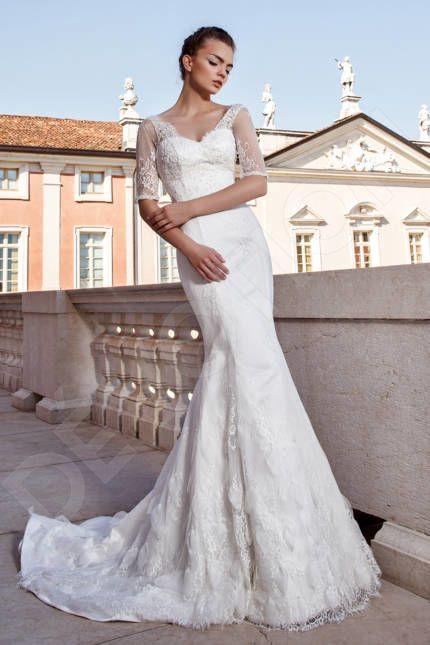 Jillian Elegant Guipure Wedding dress Cream