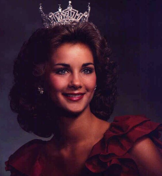 Miss Tennessee 1983 - Moira Kaye Ely - Miss Roane County - Miss America Non-Finalist Talent Award