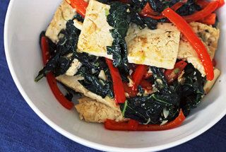 Spicy Stir-Fried Tofu with Kale and Red Pepper