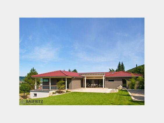 Bungalow klassisch einfamilienhaus von baufritz for Einfamilienhaus klassisch