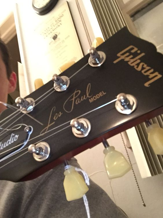 Dream guitar in my hands. Hope I can get it one day