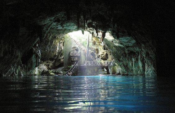 Cenote Chelentún en Cuzamá, Yucatán, México