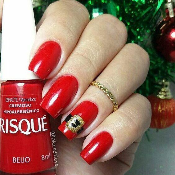 """@Regrann from @dicasdalays -  Bom Dia! Inspiração  para unhas de Natal. 🌲🎅 Cor """"Beijo"""" @risqueoficial . . SIGAM MEU IG DE TRAB. 👉@ju_costa_adesivos . .⠀⠀⠀⠀⠀⠀⠀⠀⠀ ⠀⠀⠀⠀⠀ #unhasdalays #risquedasemana #beijo #unhasestilosas #nailpolish #unhasbemfeitas #minhasunhas #unhaslindas #like4like #unhasluxo #dasemana #unhas #goodnight #unas #esmalte #follow #esmaltadassempre #unhascorujinha #segunda #criatividadeesmaltistica #unhasqueadmiro #bomdia #like #uñas #nails #unhasnatalinas #unhasdenatal #natal #u"""