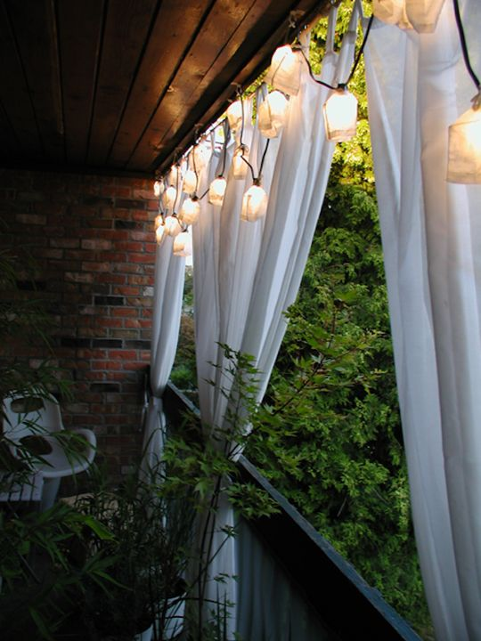 7 ways to extend your patio season into fall good books for Fall balcony decorating ideas