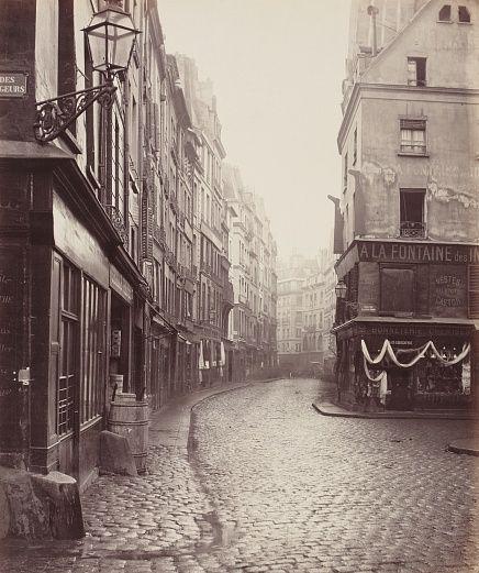 Fotografie von Charles Marville, Straßenansicht Paris, Frankreich #wallpaper #Tapete