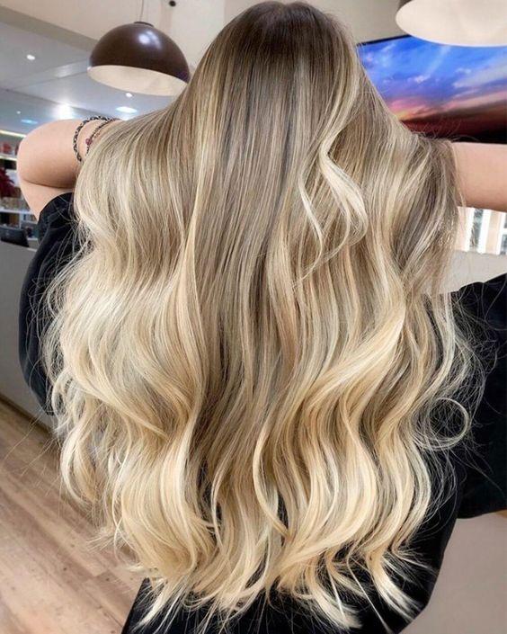 cabelos com loiro perolado fios