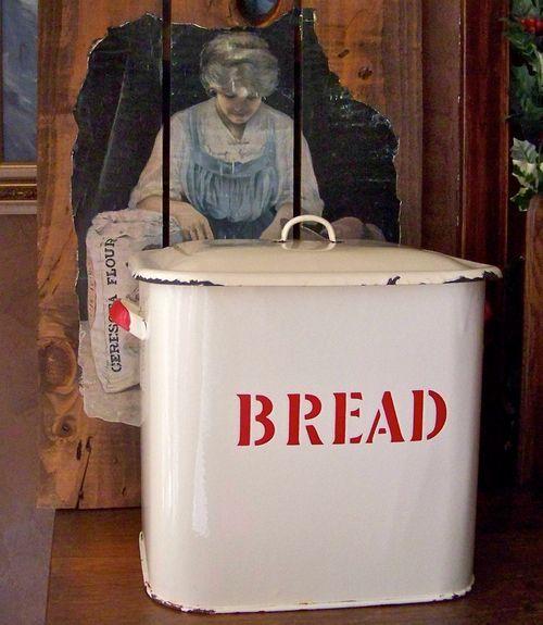 Enamelware Bread Box.... Claudia WANTS THIS