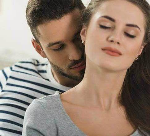 ما هو معنى قبلة الأنف وقبلة اليد والرقبة Couple Photos Scenes Photo