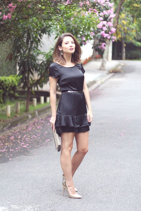 {Como Usar} Pretinho básico elegante #look1 #look #outfit #littleblackdress #fashiontips #worklook #elegance