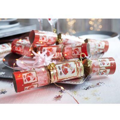 Lot de 8 crackers Père Noël. A découvrir sur 3suisses.fr.