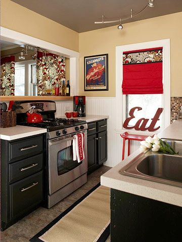 Kitchens small kitchens and small kitchen redo on pinterest for Small eat in kitchen