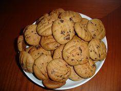 Aqui estão mais umas bolachinhas para o chá ou café...    INGREDIENTES  (+- 25 biscoitos):  90g manteiga  100g açucar mascavado  200g farin...