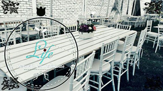 Mesas y sillasWww.Facebook.com/florerialife. Bodas/ eventos/ wendding/ vintage/ rústico/ rustic/ decoracion/ decor/ flores/ flower/ sillas y mesas