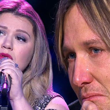 Kelly Clarkson bawls and also makes Keith Urban cry on American Idol