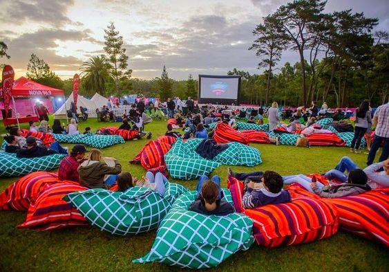 A magical #OutdoorCinema 🍿Who would you take here? 😍#LiveLoveCinema