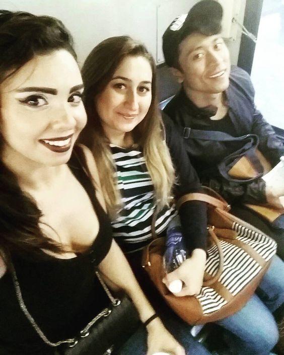 #crewfie#wednesdayselfie#snapchatselfie#snapchatting#tunisiangirl#turkishgirl#indonesianboy#houston#texas#usa#mydubai#ezzahra#mytunisia#me#koukou#karlota#9atoussa#khaoula#khaoulalook#inthebus#busselfie#selfie#myhouston#instaselfie#instashopping#mylife#globalista#instagramtravel by koukoukarlota