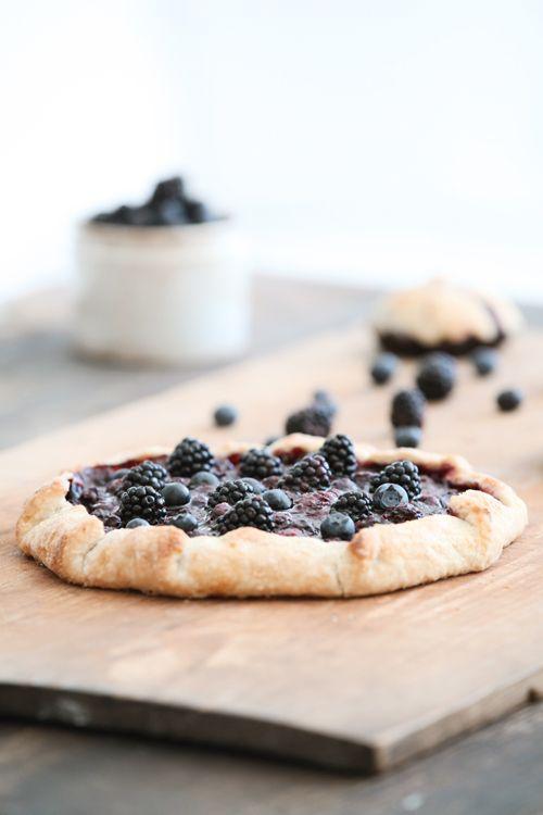 Dreamy Whites: Picking Blackberries