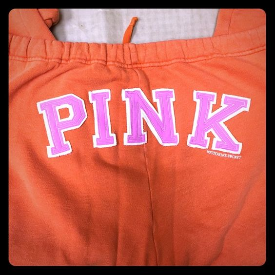 """Victoria's Secret PINK sz M sweatpants I couldn't say enough good things about these pants! They are USED but in good condition. They are a medium but fit more like a large. Extremely comfortable! They have the pink dog logo in white on the front hip and they say """"pink"""" in pink on the butt. Only reason I'm selling is because I have a drawer full of the same style pants, I just couldn't get enough! PINK Victoria's Secret Pants Ankle & Cropped"""