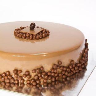 Tarta de Chocolate con Crujiente de Avellana de Marc´s Pastisseria, asociado a www.apanymantel.com de Reus