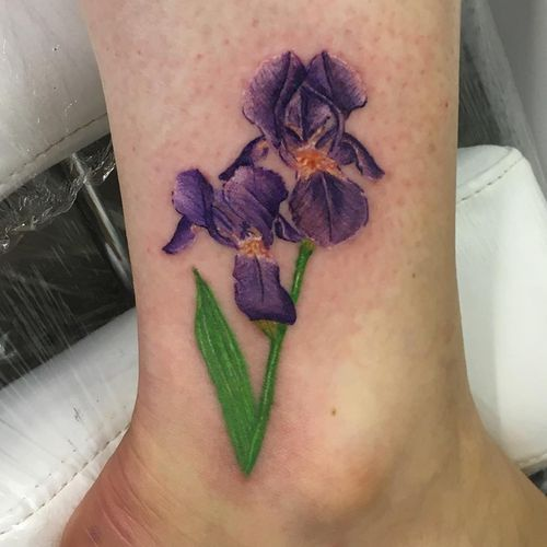 150 Iris Tattoo Designs With Meaning Flowertattooideas Com Iris Tattoo Iris Flower Tattoo Purple Heart Tattoos