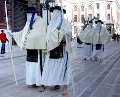 Resultado de imagem para donne penitente processione