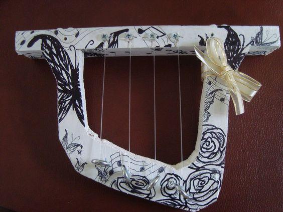 how to make a simple homemade harp