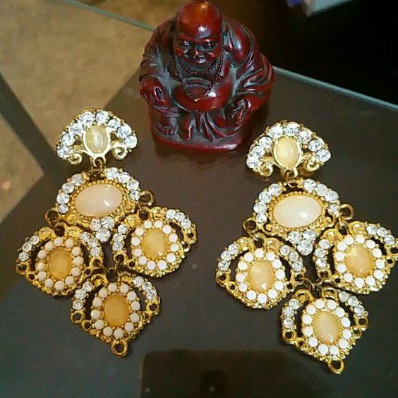 ??Fancy earrings These earrings are absolutely beautiful only wore once Macy's Jewelry Earrings