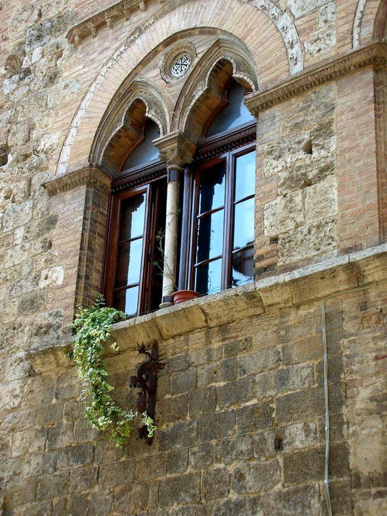 Волтера, Италия: