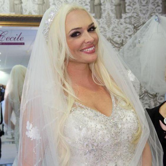 Daniela Katzenberger will ihre Geldangelegenheiten vor der Hochzeit geregelt haben.