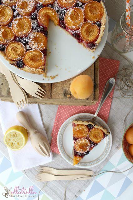 ullatrulla backt und bastelt: Aprikosen-Marzipan-Tarte