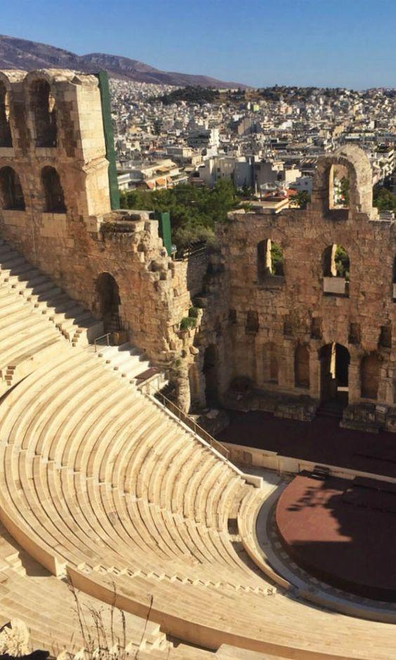 Een must see als je in Athene bent! https://www.zomerzin.nl/bestemmingen/griekenland-reizen/bouwstenen/peloponnesos/athene/ #arena #athene #griekenland #greece #vakantie #genieten