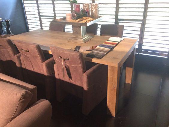 Tafel op maat gemaakt in iedere gewenste maat of vorm op ambachtelijke wijze in eigen meubelmakerij bij de mooiste Woonwinkel van Twente POTZ WONEN Voor een  Eettafel leeftafel leestafel werktafel of voor een knutseltafel met de kinderen