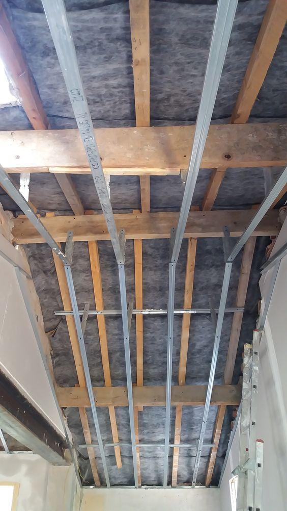 Isolation phonique et thermique du0027un faux plafond Applications de