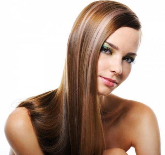 Cuáles son los mejores peinados para la cara redonda. Los rostros redondos se caracterizan por tener las mejillas anchas y prominentes y, es por ello, que pueden dar la sensación de mayor grosura facial y corporal. Ahora con un buen peinado puedes encont...