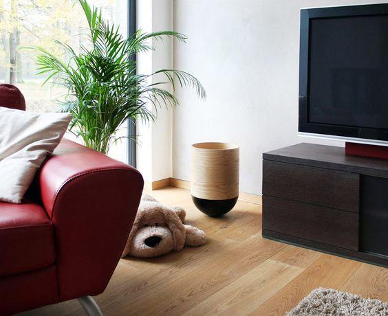 Ob als Aufräumhelfer oder Papierkorb, im Wohnzimmer kann sich der spielerische Papierkorb Poubellie sehen lassen.