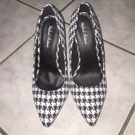 Hounds tooth heels Black-and-white houndstooth heels 3 1/2 inch size 7 1/2(NWOT) Shoes Heels