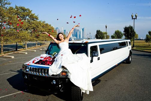 Emergency Black Car Service Nashville In 2020 Wedding Limo Service Wedding Limo Transportation Services