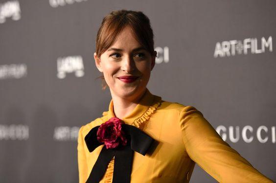 Pin for Later: Toutes Vos Célébrités Favorites Se Sont Rendues au Gala Art+Film de Los Angeles Dakota Johnson