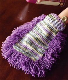 [Free Pattern] This Crocheted Dust Mitt Is Pretty And Practical - http://www.dailycrochet.com/free-pattern-this-crocheted-dust-mitt-is-pretty-and-practical/: