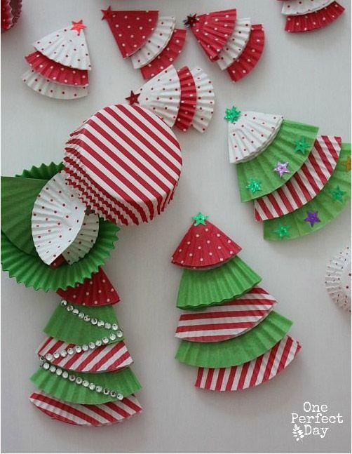 Manualidades recicladas navidad arbol cupcakes ideas - Manualidades navidad arbol ...
