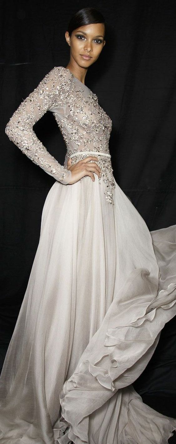 robe de soiree pas cher blanche pour etre à la mode