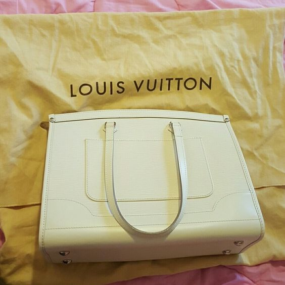 Louis Vuitton Madeleine Epi In super good uses condition, authentic. Comes with dust bag Louis Vuitton Bags Shoulder Bags