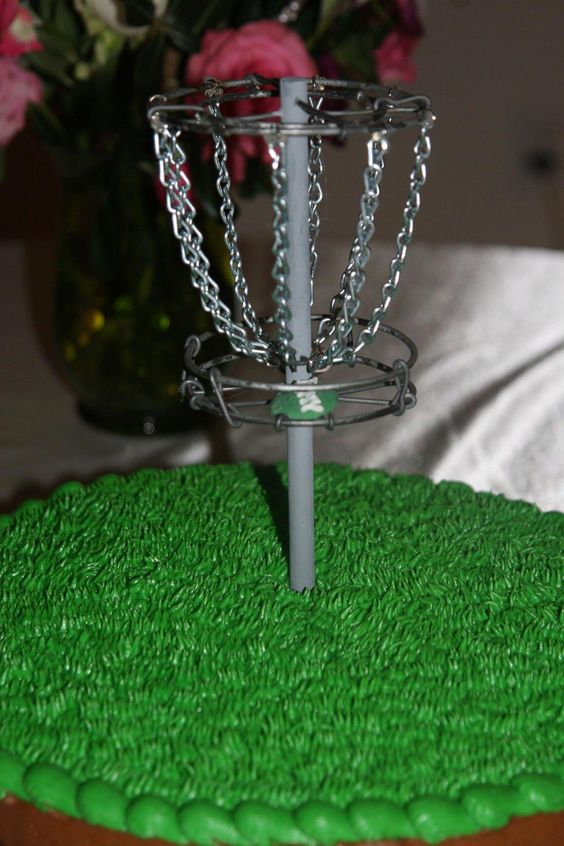 disc golf groom's cake