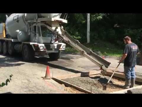 Cement Mixer Truck Pouring Concrete Pad Youtube Cement Mixer Truck Cement Mixers Mixer Truck