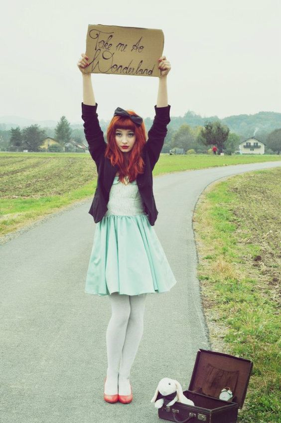 Love this outfit, and the hair. Girly and whimsical.