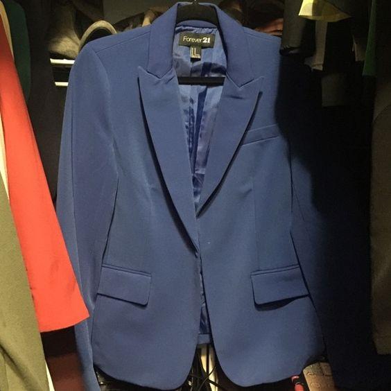 Royal blue f21 blazer size med Blue f21 blazer Forever 21 Jackets & Coats Blazers