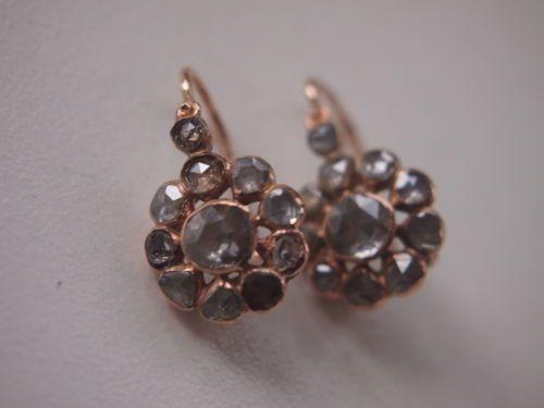 Ohrringe-jeweils-mit-Rosette-aus-Diamantrosen-besetzt-585er-Gold-um-1860
