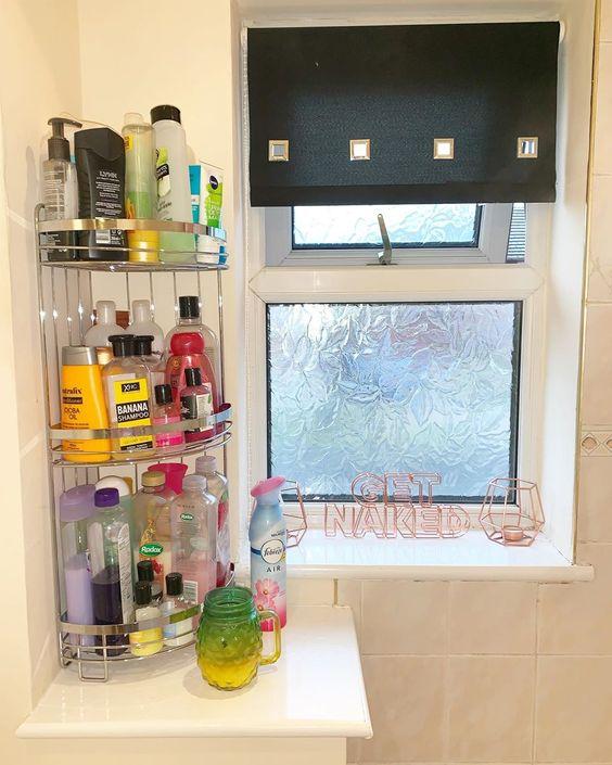 Love Mrs Hinch Discover 6 More Cleaning Gurus You Need To Follow On Instagram Simple Bathroom Easy Bathroom Organization Bathroom Closet